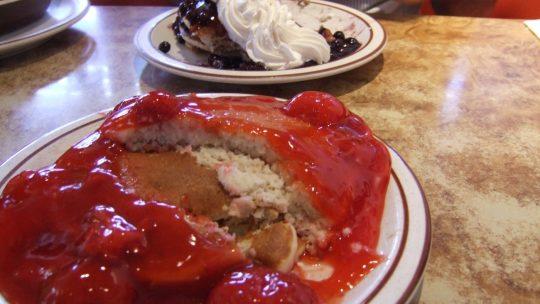 Hawaii: Waterfalls and mountains of pancakes