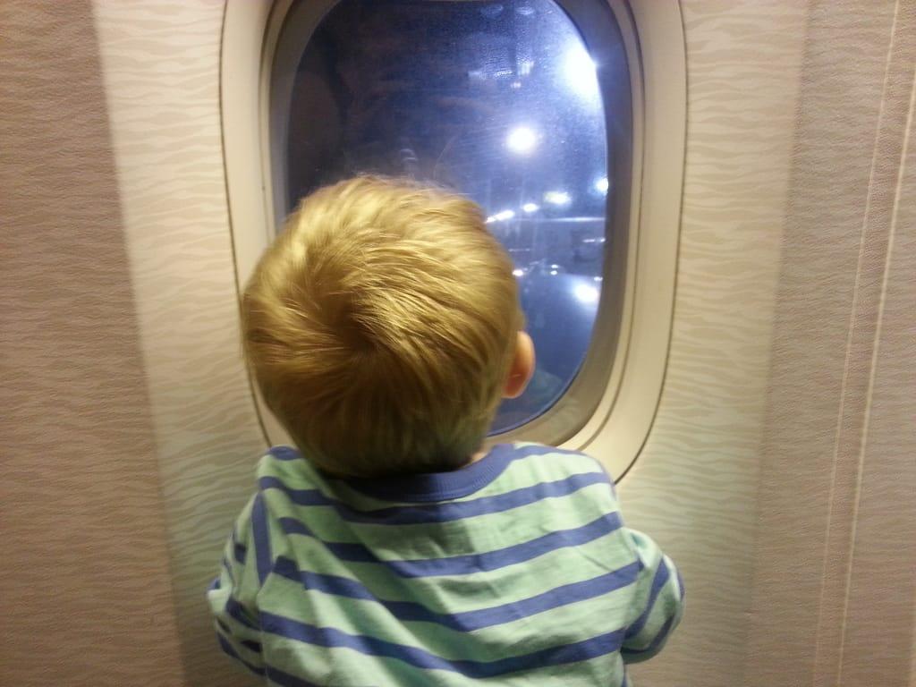 night-airplane