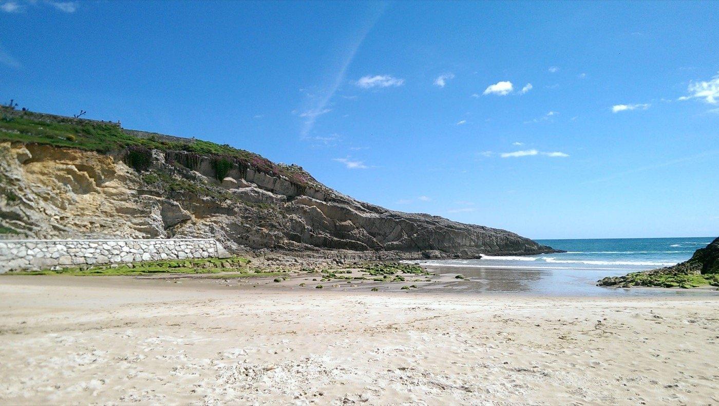 lllanes-cliff