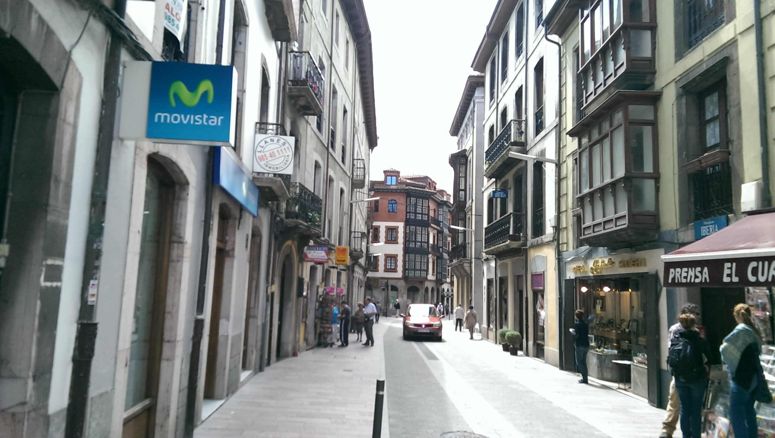 llanes-street