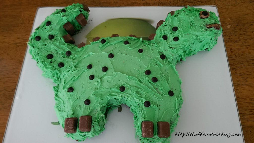 green-dinosaur-cake
