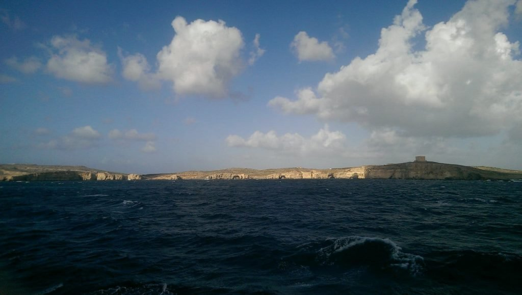 comino-sea-caves